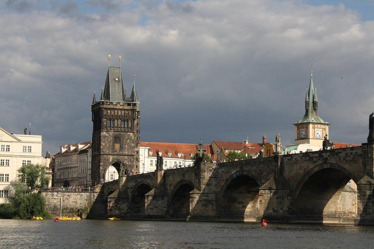 Посольство России в Праге сменило юридический адрес с «площади Бориса Немцова» на «улицу Коруновачни»