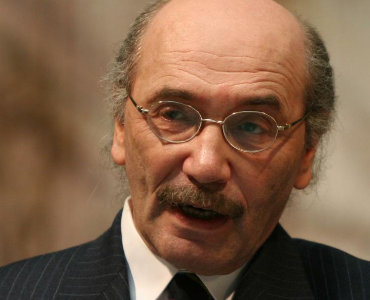 Умер Александр Кабаков