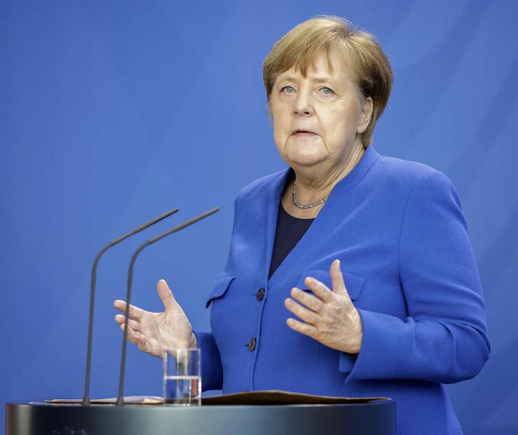 Меркель перепугала немцев гриппозным носом и решила не уходить