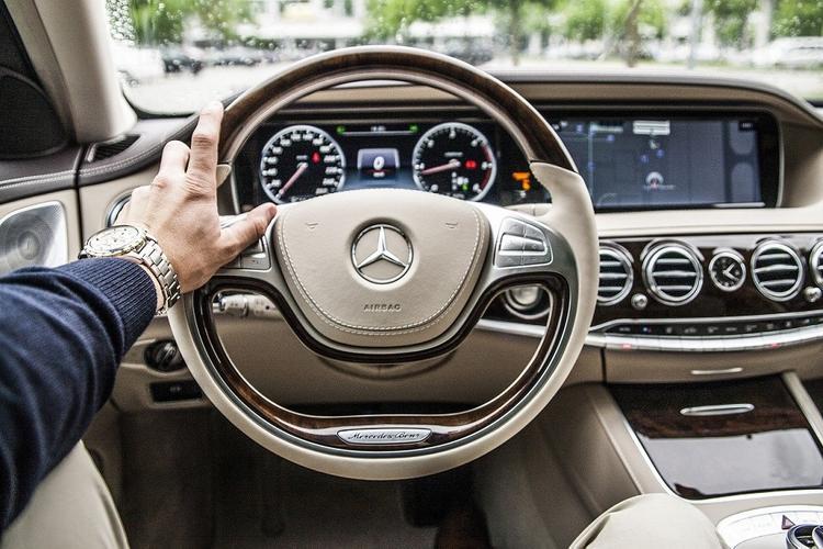 В России Mercedes-Benz отзывает G-Class