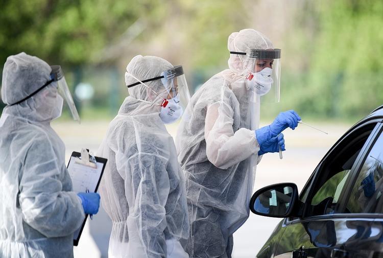 Инфекционист из США назвал еще один симптом заражения коронавирусом COVID-19