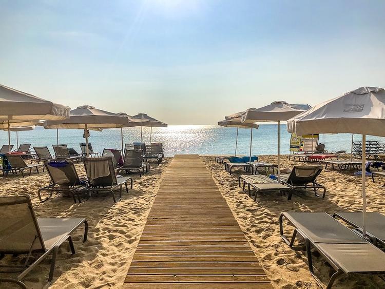 Власти Болгарии намерены 1 июля начать летний туристический сезон