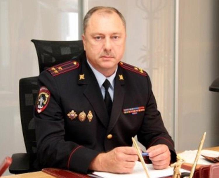 Начальник УГИБДД Нижегородской области застрелился из наградного пистолета в своем кабинете