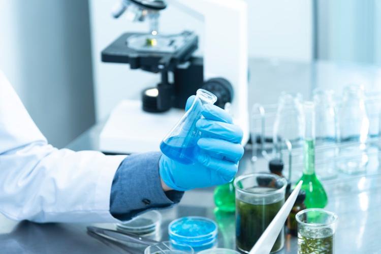 Известный кардиолог сомневается в эффективности лечения коронавируса  плазмой крови переболевших