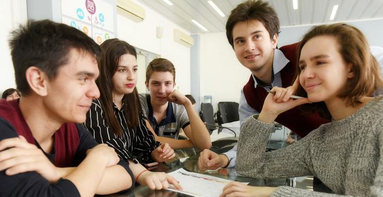 По итогам научно-практических конференций дополнительные баллы получили более 1,1  тысячи московских  школьников