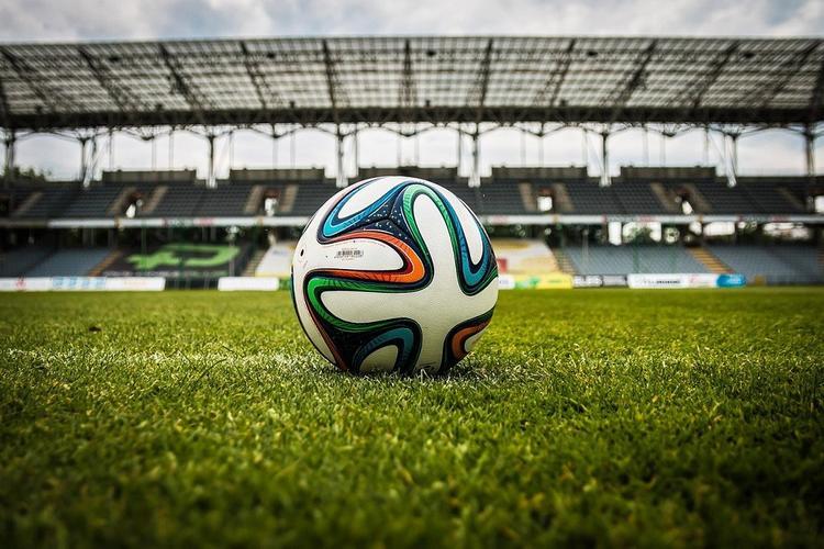 Власти разрешили возобновить футбольный сезон в Англии