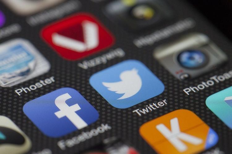 Основатель Twitter пообещал отдать все свои деньги на благотворительность