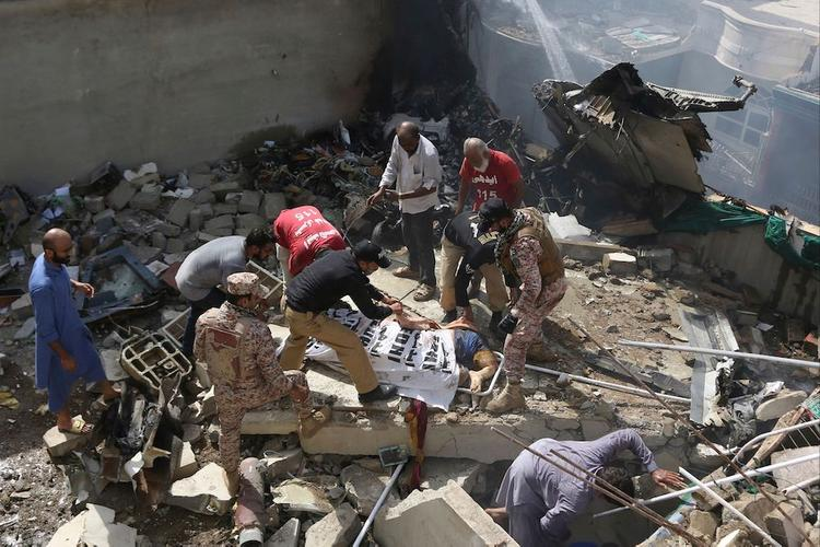 Авиакатастрофа в Пакистане: что могло произойти