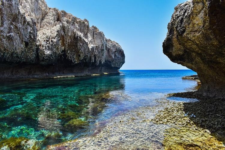 Кипр откроет авиасообщение с 9 июня. Названы условия вылета в страну