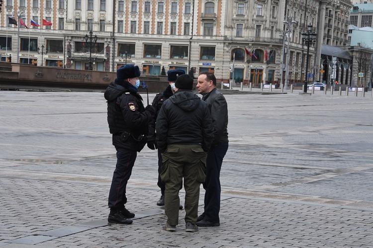Власти Москвы не будут ограничивать в передвижении граждан с иммунитетом к COVID-19