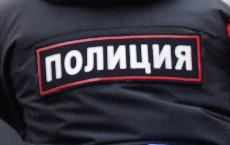 Источник: полиция начала переговоры с захватчиком отделения банка в Москве
