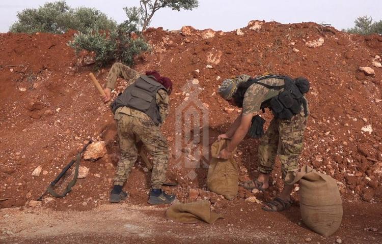 Фарук Шами опубликовал снимки укрепления окопов в Идлибе