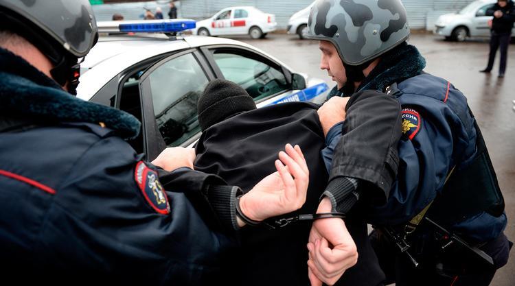 Задержаны полицейские,перевозившие партию запрещенных веществ.Один из них - начальник отделения по контролю за оборотом наркотиков