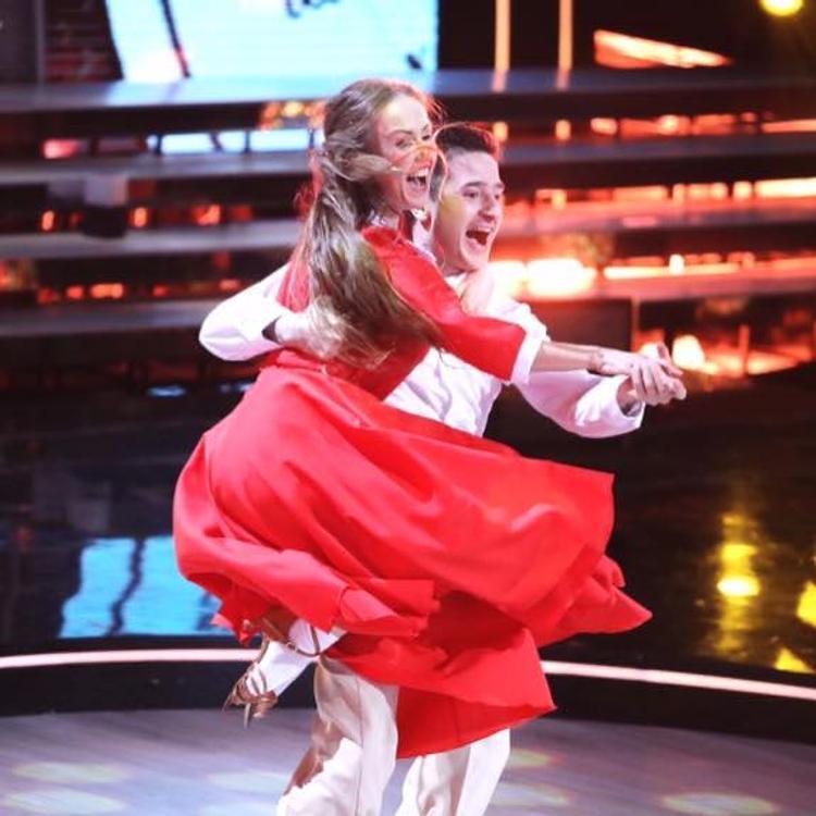 Названы победители шоу «Танцы со звездами»