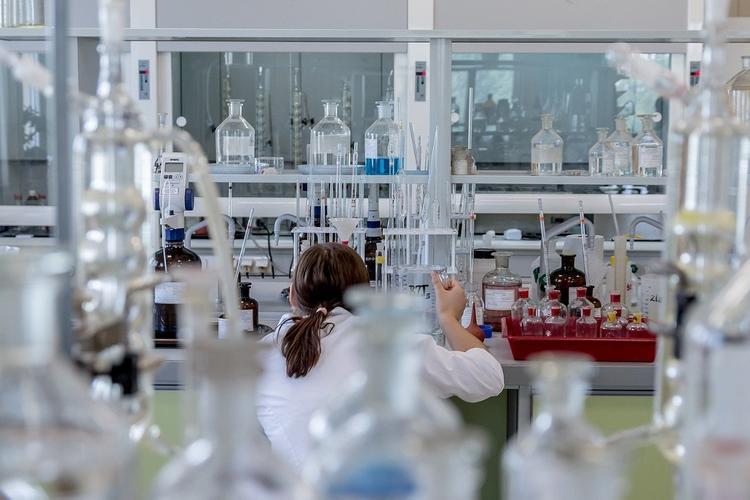Три года назад фармкомпании отказались разрабатывать вакцину от коронавируса