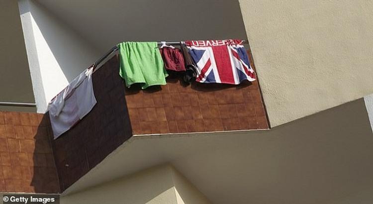 В Турции арестовали мужчину за вывешенное сушиться полотенце