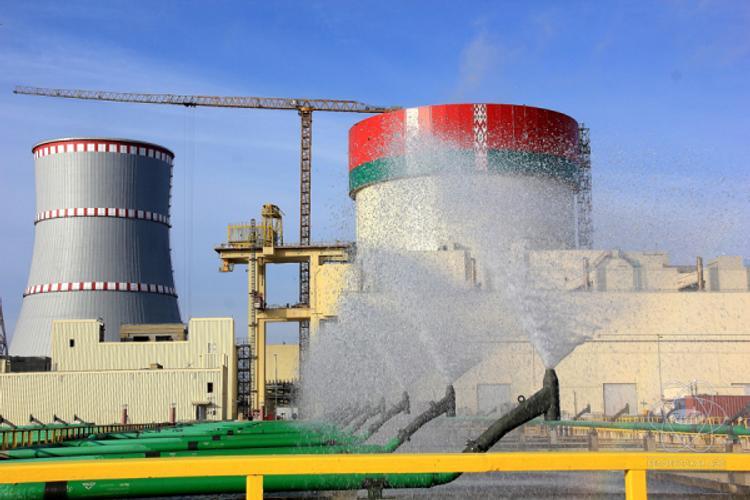 В Белоруссии на готовящейся к пуску АЭС коронавирус COVID-19 выявили почти у 100 работников