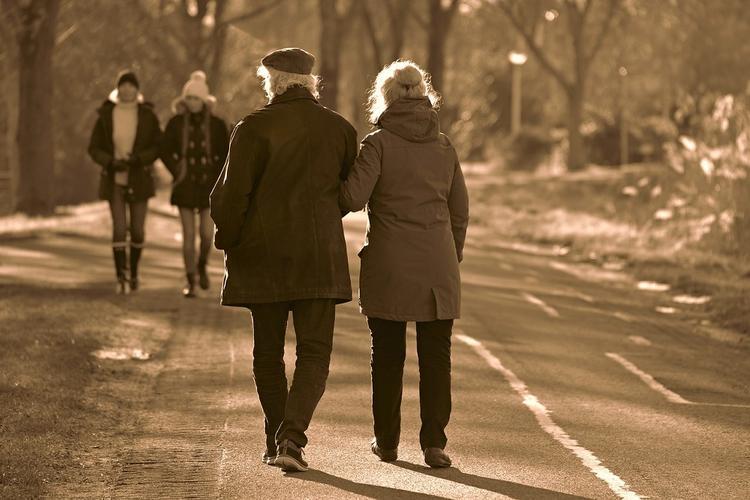 Биолог назвала опасность стремления людей скорее переболеть COVID-19: «Лучше через полгода»