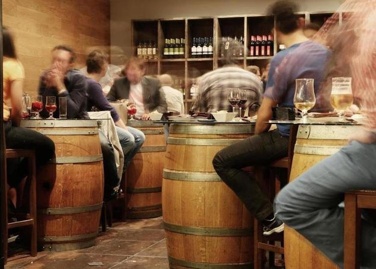 Депутаты Мосгордумы приняли закон о запрете продажи алкоголя в барах и кафе менее 20 кв. м