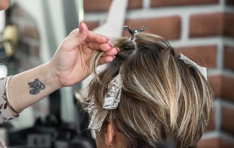Чиновник рассказал, когда в Москве могут открыть парикмахерские