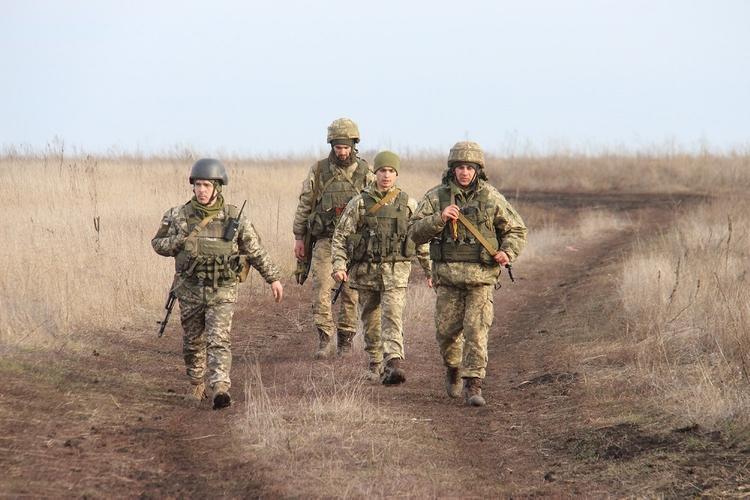 Экс-советник Януковича назвал обязательное условие прекращения войны в Донбассе
