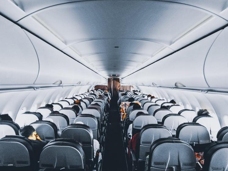 В МИД объяснили россиянам, почему не надо  торопиться планировать поездки за границу
