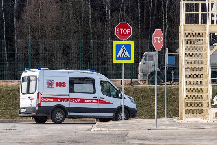 «Скорая» попала в ДТП в Иркутске, пострадали два медика