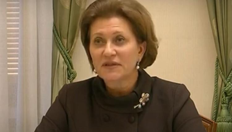 Попова заявила, что из-за COVID-19 в этом году вакцинация от гриппа начнется раньше