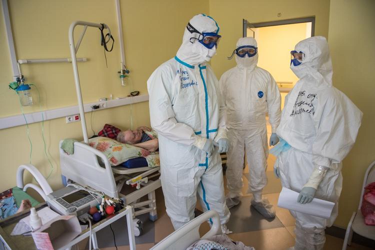 В мире коронавирусом COVID-19 заразились более 6,1 млн человек