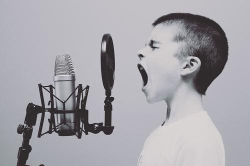 Психолог рассказала, стоит ли «таскать» маленьких детей по всевозможным кружкам