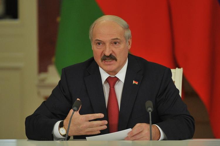 Лукашенко сообщил, что знает, откуда на «белорусскую землю ветры дуют»