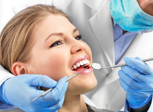 Зачем проходить курс профессиональной гигиены перед лечением зубов