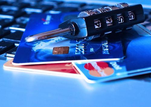 Какими схемами пользуются мошенники при онлайн-шопинге