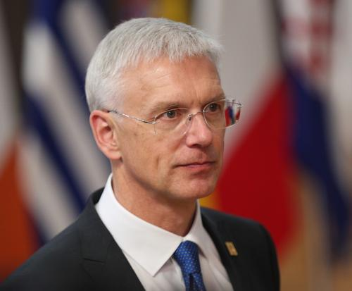 Премьер-министр Латвии: не следует рассчитывать на мероприятия летом