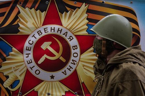 Политолог: Киев готовит провокации для срыва парада Победы