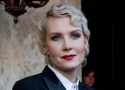 Рената Литвинова предстала перед поклонниками в «рокерском» образе
