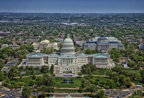 Власти Вашингтона еще на сутки продлили комендантский час