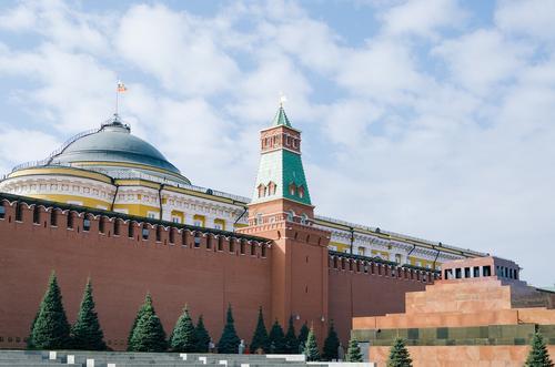 В Москве ограничат движение из-за ночной репетиции парада Победы