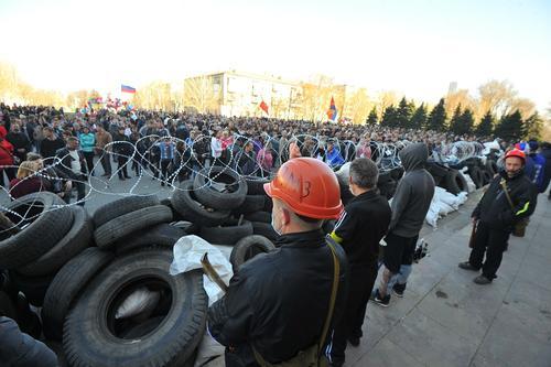 Украинский ученый предсказал будущее восставших против Киева республик Донбасса