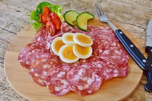 В Китае оценили вкус российской колбасы