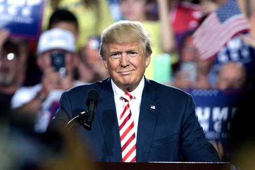 Президент США Дональд Трамп заявил, что для Соединенных Штатов настало время отменить карантинные ограничения