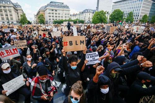 Расовая проблема задела чувствительный нерв Бельгии и перешла в погромы