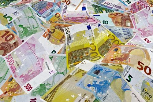 В Италии планируют вывести из оборота наличные деньги