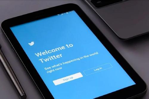 Twitter принял решение о блокировке более тысячи аккаунтов, продвигавших «Единую Россию»