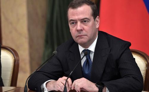 Медведев: пандемия COVID-19 может стать стимулом для развития внутреннего туризма