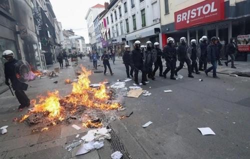 Бельгийский кризис. Манифестации в Брюсселе и задержания бунтарей