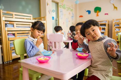 Врачи назвали четыре основных симптома коронавирусной инфекции COVID-19 у детей