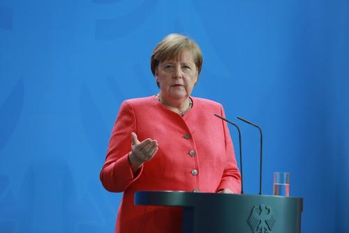 Меркель: процесс реализации минских соглашений не позволяет отменить санкции против РФ