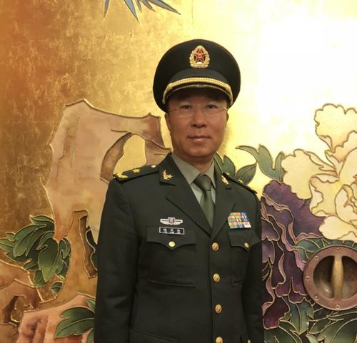 Генерал-майор НОАК Куй Яньвэй: Армия Китая защитит народ и от врагов, и от эпидемий