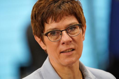В Минобороны Германии призвали выработать общую с НАТО «идею российской угрозы»